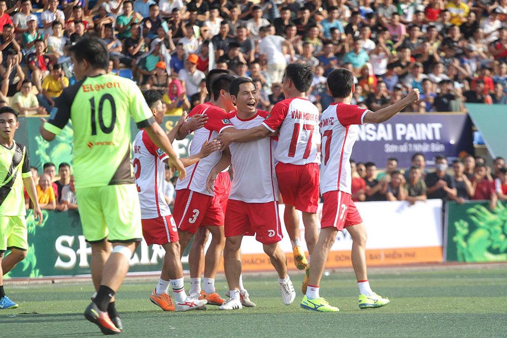"""Vòng 1 Saigon Special Premier League -Season 5: """"Vua phủi Capdervila"""" ghi bàn, Ocean vẫn thua Văn Minh"""