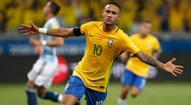 Muốn vượt mặt Messi và Ronaldo, Neymar phải vô địch World Cup 2018