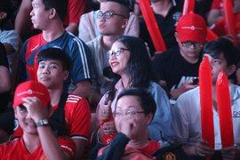 Tiếp đón Dwight Yorke, MUSVN mở hội tưng bừng trong ngày Man United đại thắng Tottenham