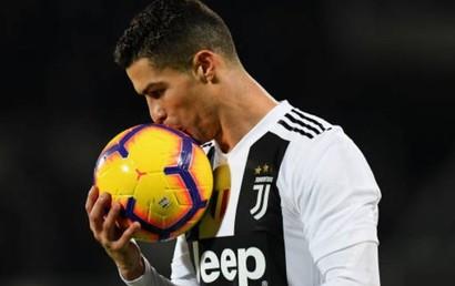 Fiorentina - Juventus: Ronaldo đi vào lịch sử