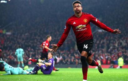 Manchester Utd - Arsenal: Căng thẳng đến phút chót