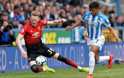 Huddersfield - MU: Vỡ mộng Top 4